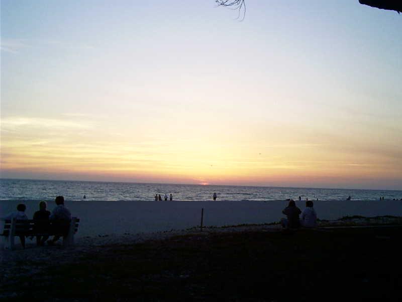 beachsunset.jpg